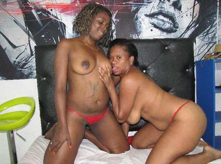 ebony lesbian milfs